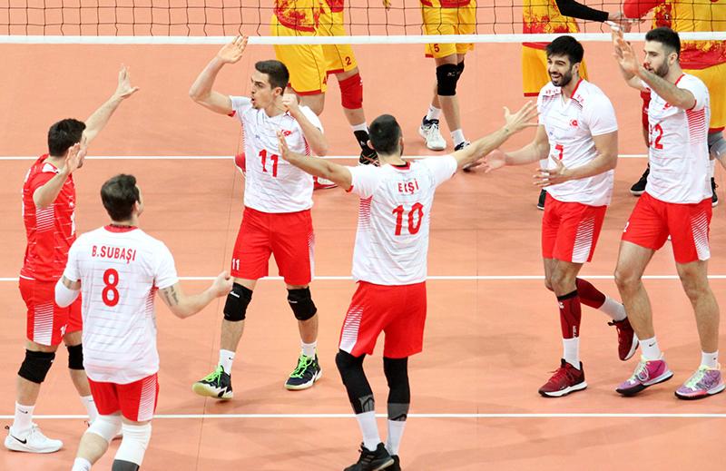 A Milli Erkek Voleybol Takımı Makedonya maçı sevinç fotoğrafı.