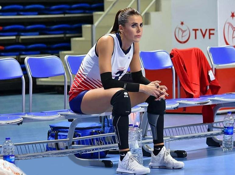 Çukurova Belediyespor'un tecrübeli orta oyuncusu Dilara Dağyar ile bir araya geldik.
